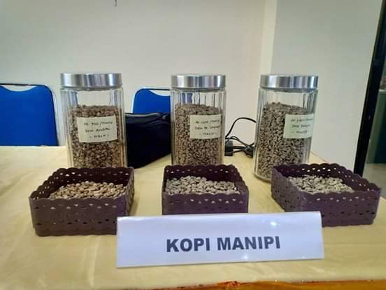 Green beans, roasted coffee, and ground coffee (Manipi Coffee) produced by Manipi Cooperative